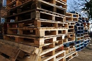 Wood waste brusher